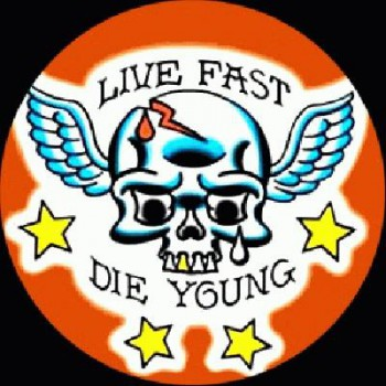 PUNKROCK - Live Fast Die Young