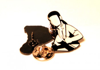 SKINHEAD GIRL PIN