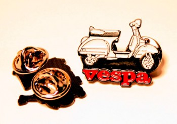 VESPA SCOOTER PIN
