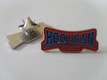 HOOLIGAN REGGAE PIN red