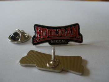 HOOLIGAN REGGAE PIN black