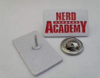 NERD ACADEMY OLD LOGO WHITE/RED PIN