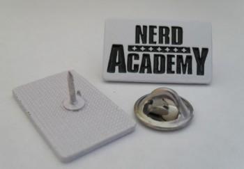 NERD ACADEMY OLD LOGO WHITE/BLACK PIN
