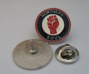 NORTHERN SOUL RED FIST PIN