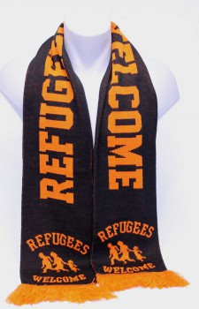 REFUGEES WELCOME SCARF