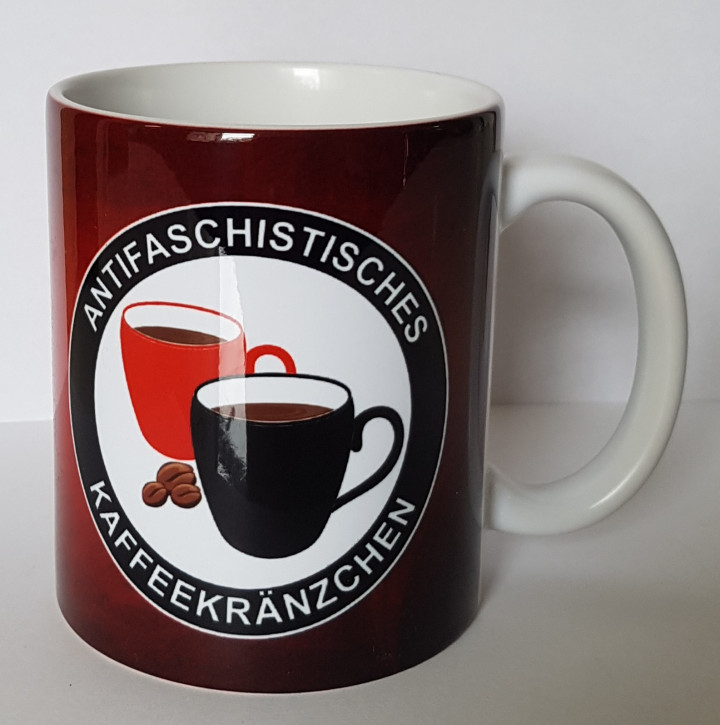 ANTIASCHISTISCHES KAFFEEKRÄNZCHEN MUG