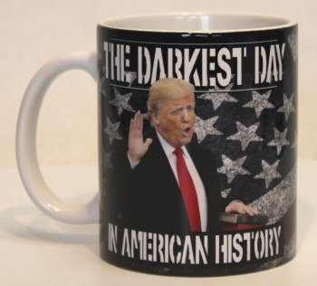 THE DARKEST DAY(FUCK TRUMP) KAFFEEBECHER