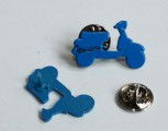 VESPA SCOOTER SHAPE PIN BLUE